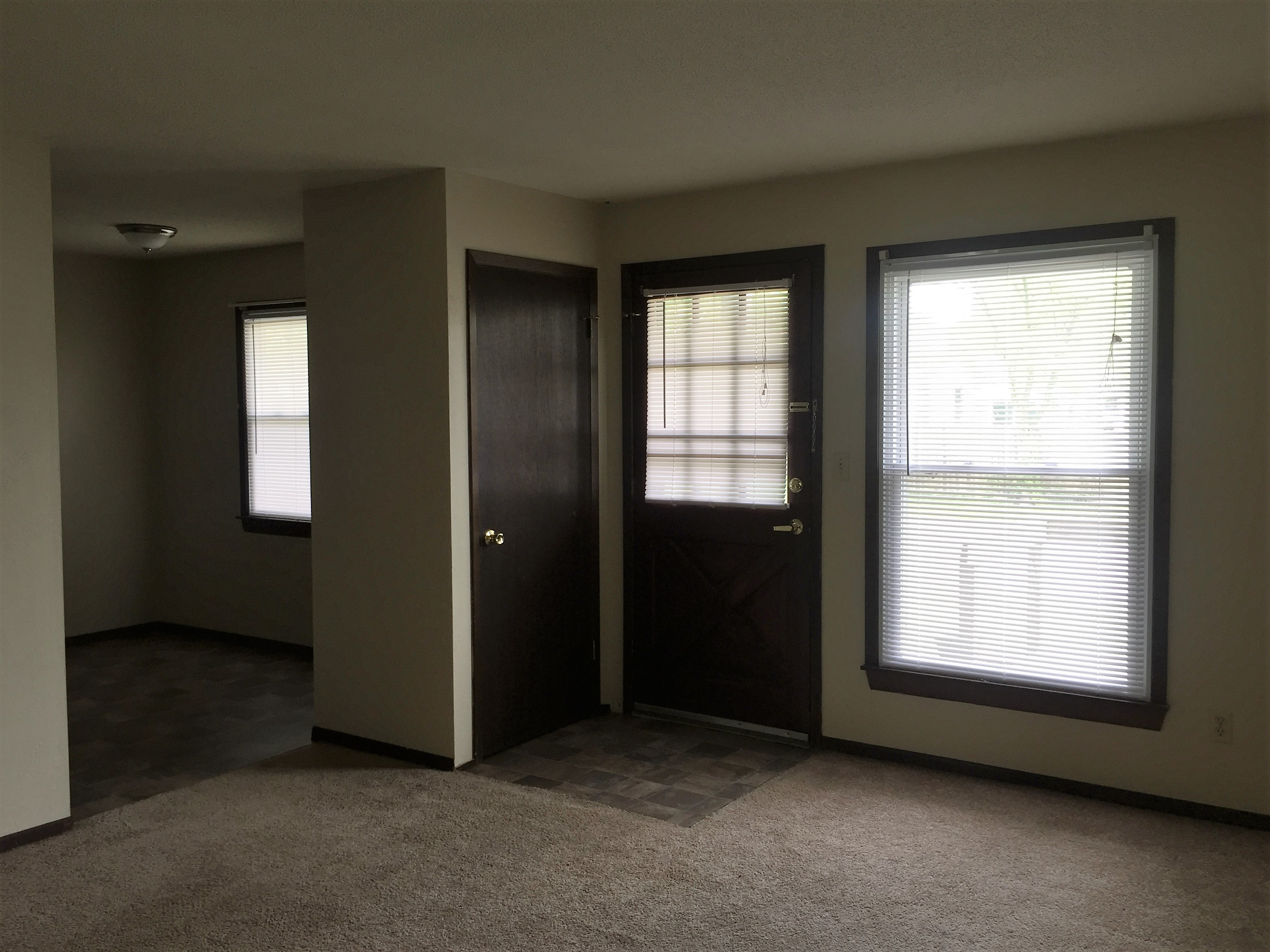 Entry - Daffodil Apartments